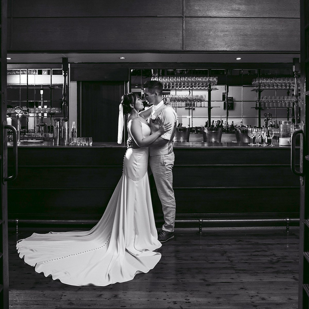 pose, pose like a pro, wedding, wedding photography, photography, top tips, wedding blog, smile, engagement session, engagement photos, natural photos, black and white photos, candid photos, wedding day, camera shy, camera, first kiss, wedding kiss, wedding reception