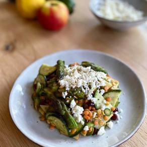 Salade d'asperges vertes, lentilles corail & courgettes