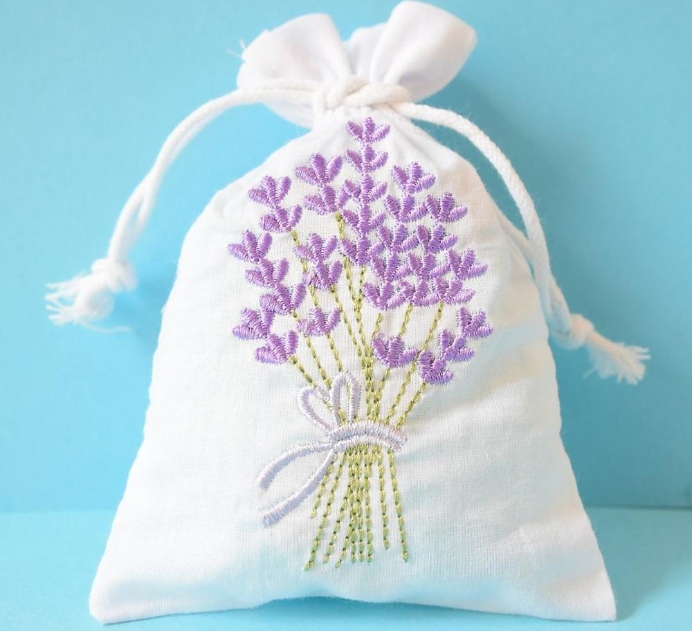 Wedding Library recommended wedding favour lavender bags