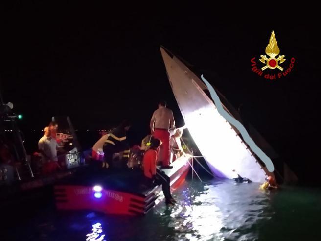 Столкновение лодки с дамбой (платиной) в Венеции. Трое погибших среди которых Fabio Buzzi