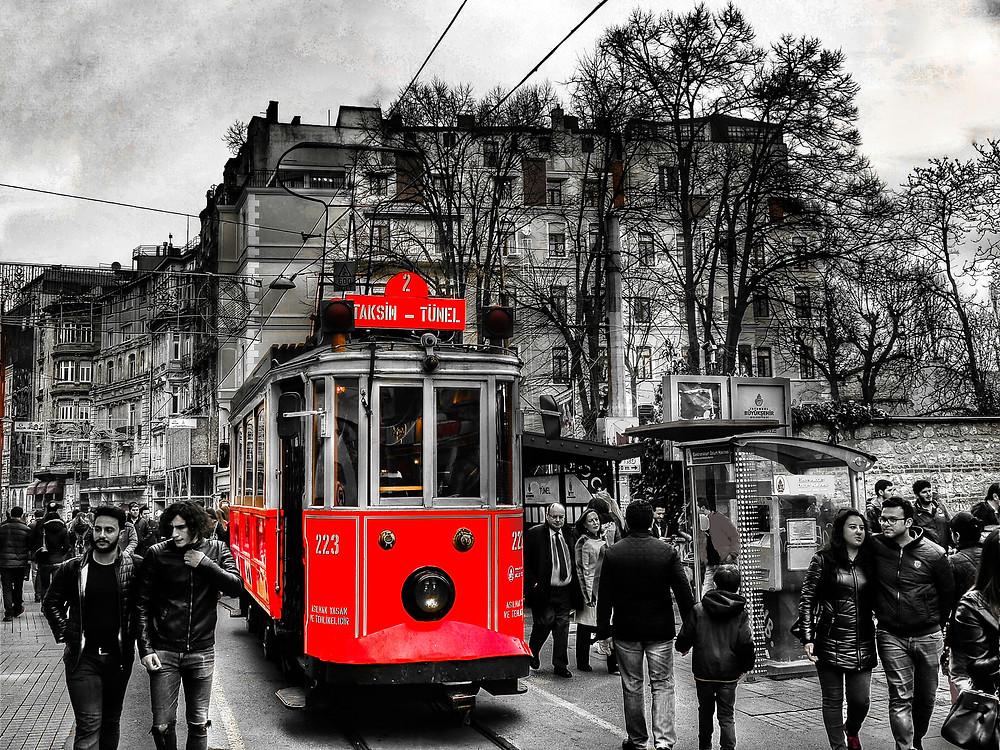 Beyoglu Galata Pera Turu   Gezi Bahcesi