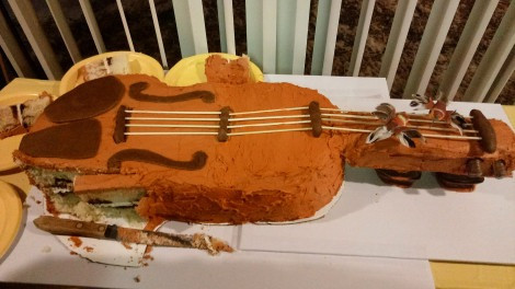 Violin cake at Mary Freed Memorial Concert played by the Rondo String Quartet.