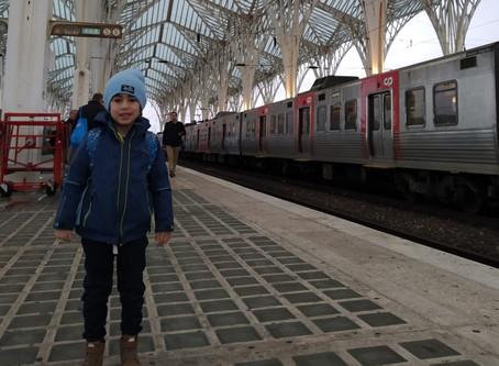 Viajar com as crianças de trem em Portugal é demais!