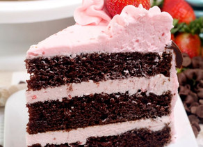 DARK CHOCOLATE STRAWBERRY CAKE