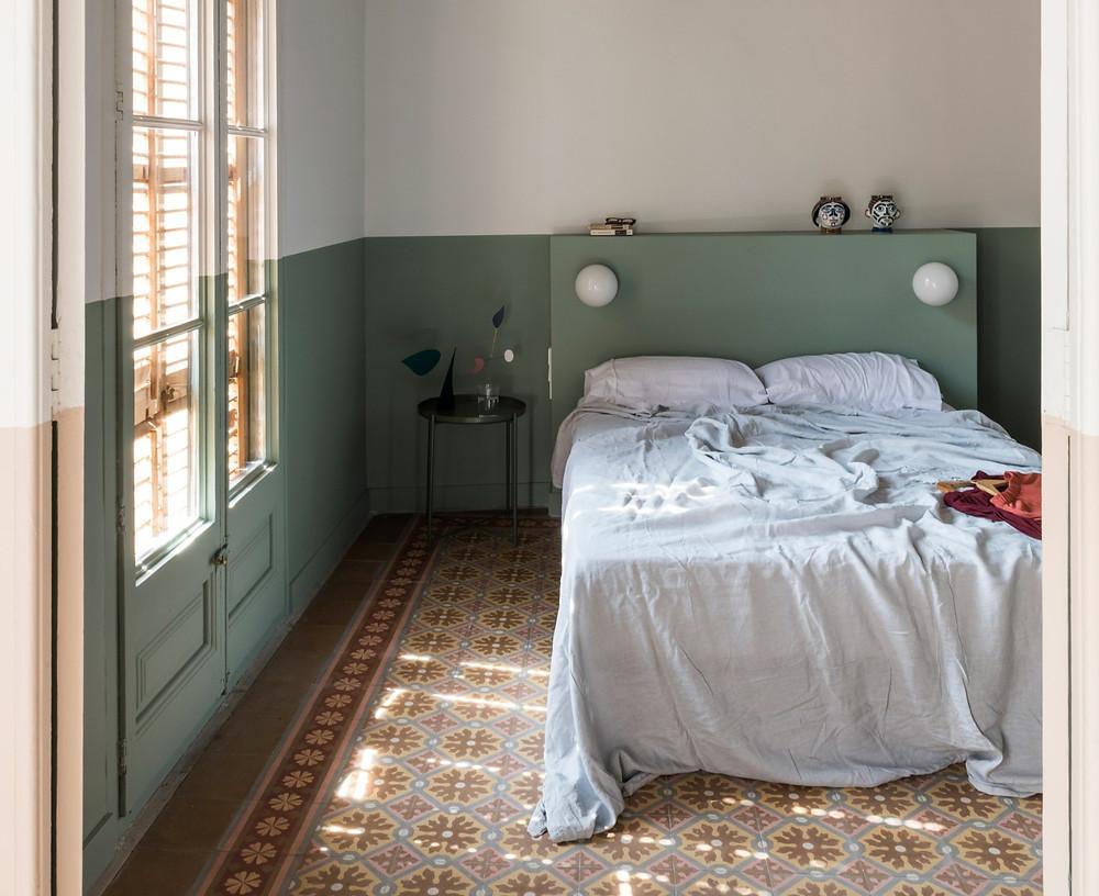 half panted room in Barcelona