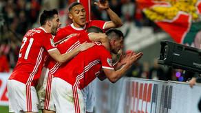 Benfica x Famalicão: Bola cá, bola lá e vitória ao cair do pano
