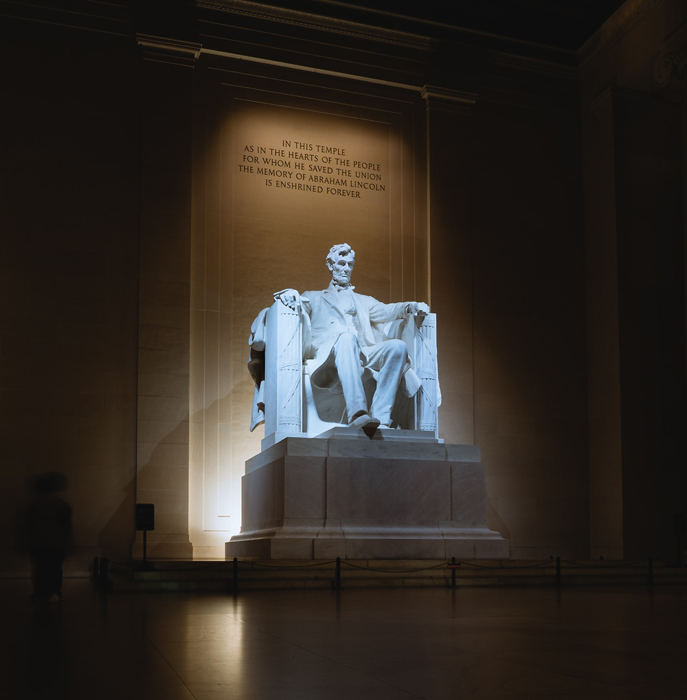 Abraham Lincoln statue in Lincoln Memorial