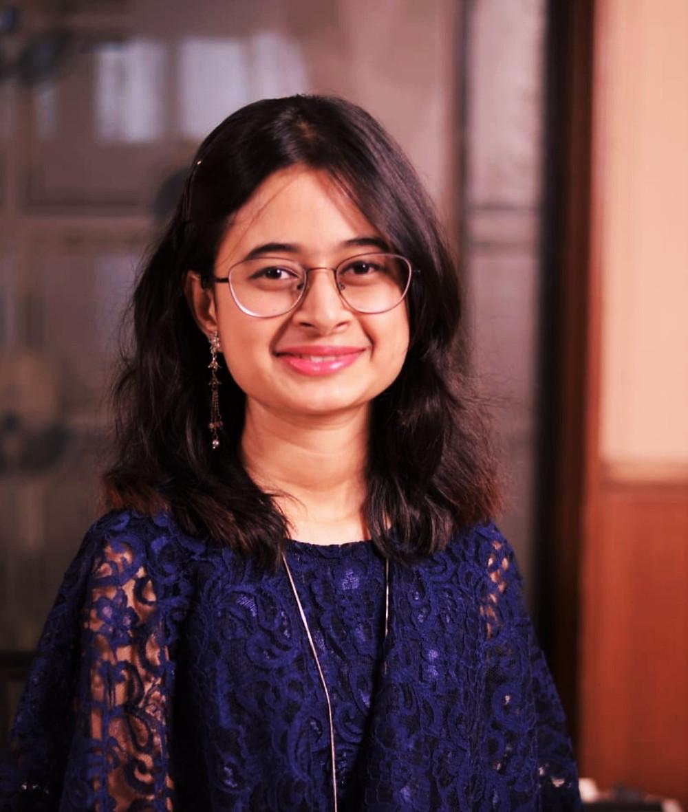 Srija Roy, India, blogger, affluent society