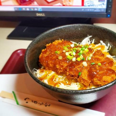 インターネットカフェ「コローレ」の絶品フードメニュー!~おろしカツ丼&豚しゃぶ丼~