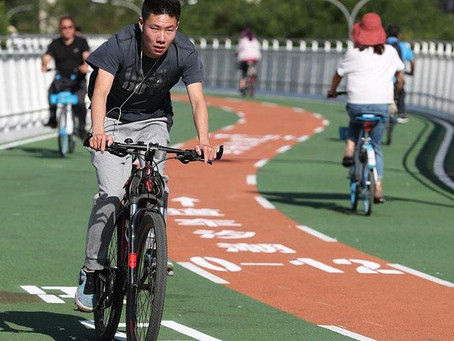 Beijing's first elevated highway for bicycles
