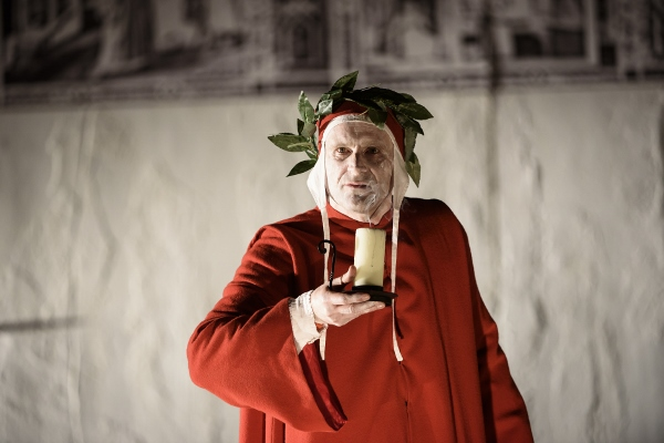 Gianni Schicchi - Tim Claydon as Dante c Bill Cooper