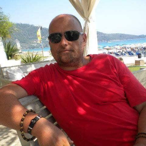Суад Мисини (Suad Missini) ... за магичната мирудија која го дефинира животот како успешен