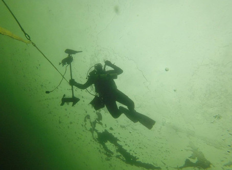 3 8 2020 Last Ice Dive of Year Golden Lake