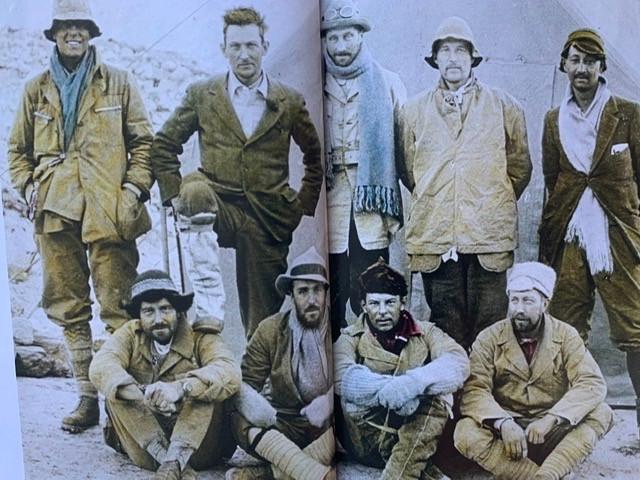 A equipa que em 1924 tentou pela terceira vez a ascensão ao Everest.