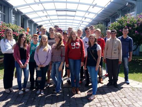 Estudantes visitam mostra de profissões do Senai