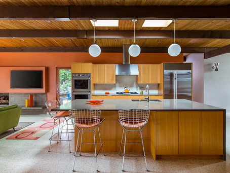 DIY vs. professional renovation: What to tackle yourself and what to leave to the pros