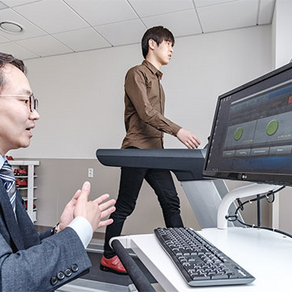 [TREND] 걸음걸이로 건강검진 '모션코어' 해보니 신경반응·관절안정 '노란불' 단번에 알려줘