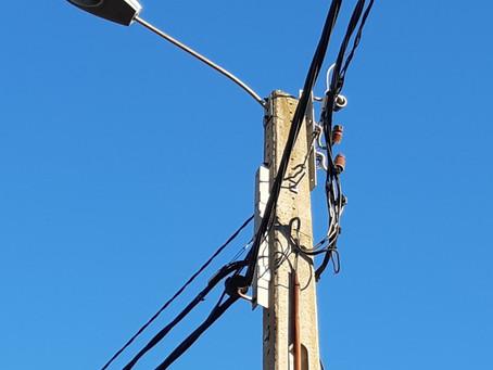 L'ús de la infraestructura elèctrica de BT per l'estesa de la xarxa de Fibra Òptica