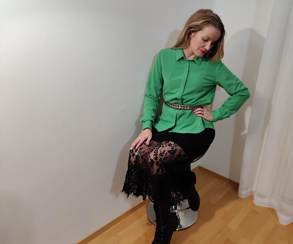#romanttinentyyli #paitapuserotyyli #paitapuseronasustaminen #monipuolinenpaitapusero