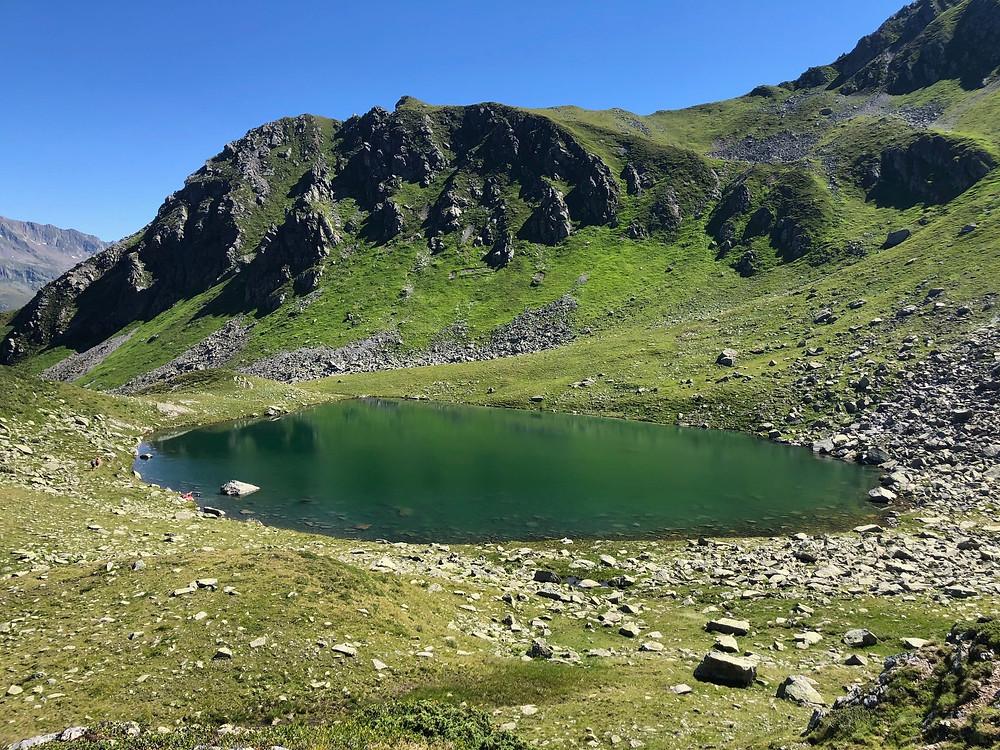 Der Alpguessee ist immer eine Wanderung wert.