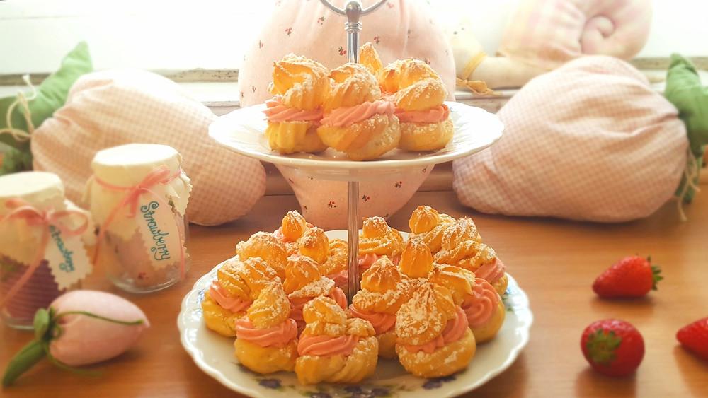 Brandteig, Windbeutel, Erdbeeren, Erdbeerquark, süß, Mini-Windbeutel, Frühling, Küstencookie, Kuestencookie, Tilda