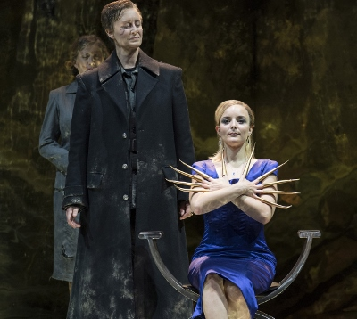 Maria Sanner as Giulio Cesare and Lucie Chartin as Cleopatra in Opera North's Giulio Cesare c Alastair Muir