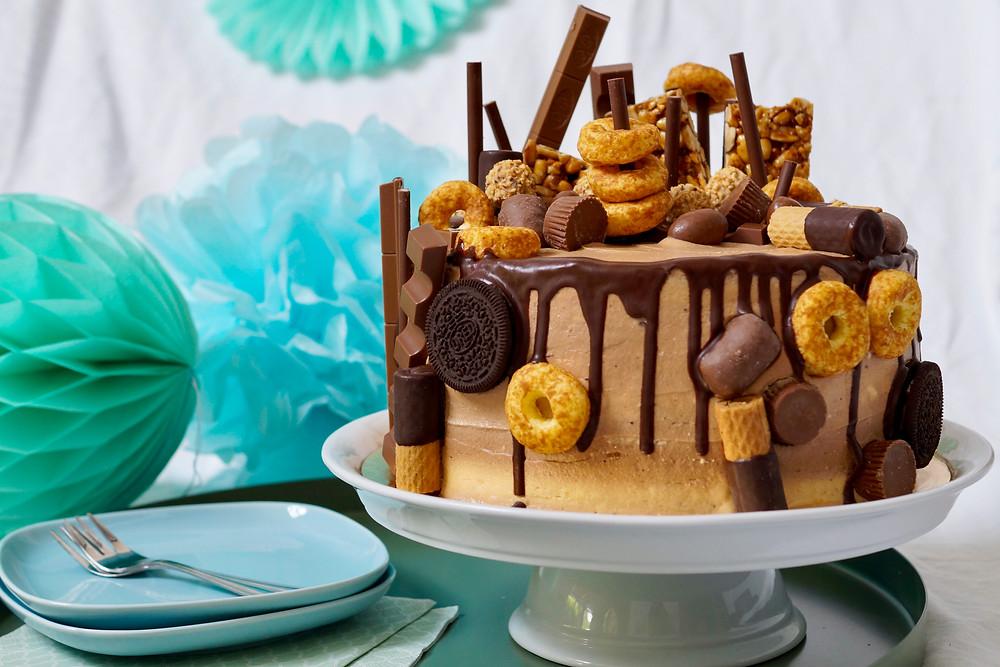 Candy Cake mit Schokolade und Erdnussbutter