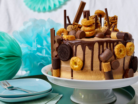 Schoko-Erdnussbutter-Candy-Cake