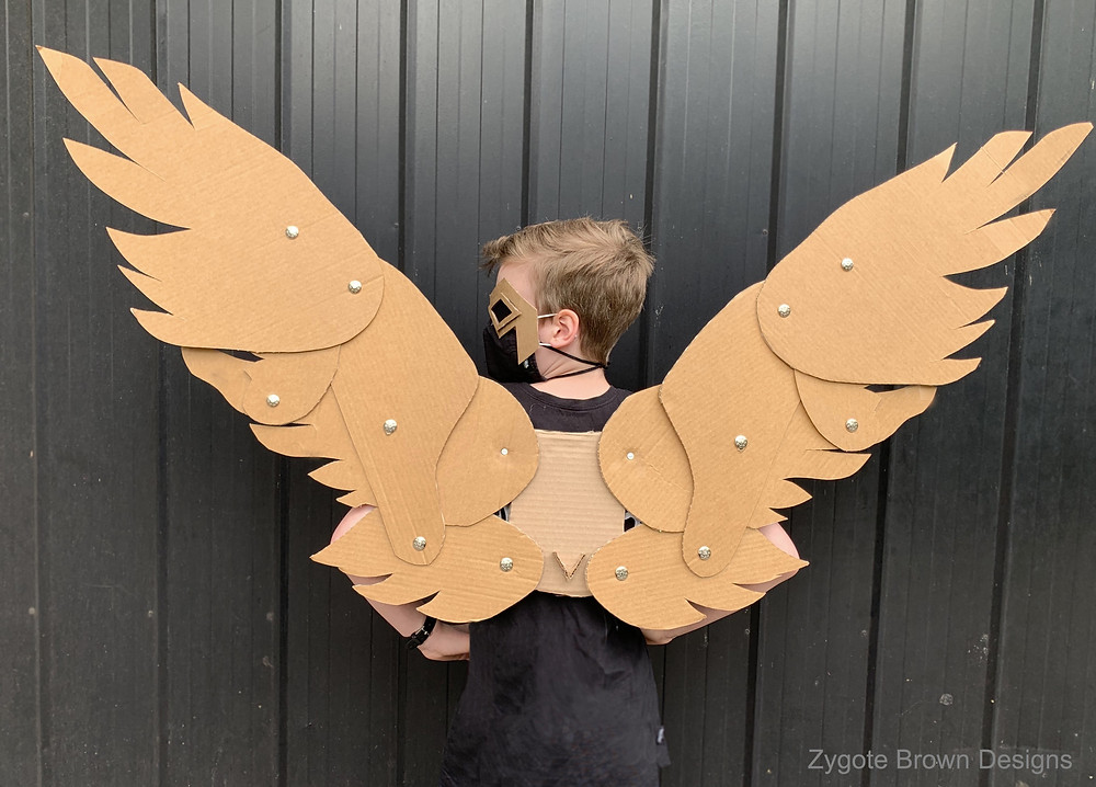 The best Cardboard Wings that move