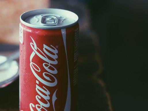 Coca-Cola se suma a boicot contra Facebook por su permisividad ante discursos de odio