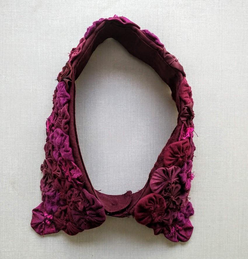 Detachable collar top view