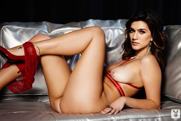 Kriti Sanon nude