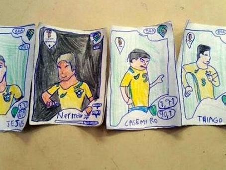 Niño de 8 años dibuja las estampas de su albúm de Rusia 2018