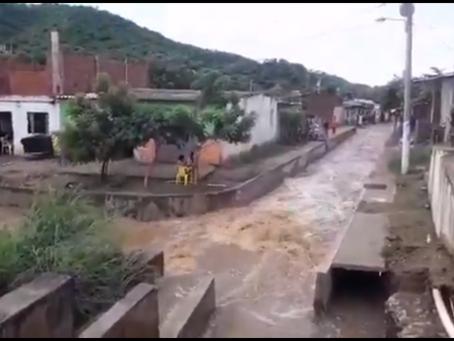 Lluvias desbordan ríos en zona rural y urbana de Santa Marta