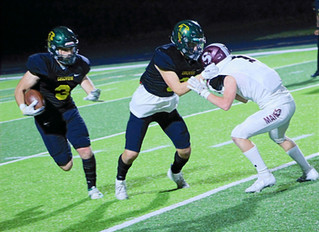 Groves loses to rival Seaholm 28-35 in tight competition