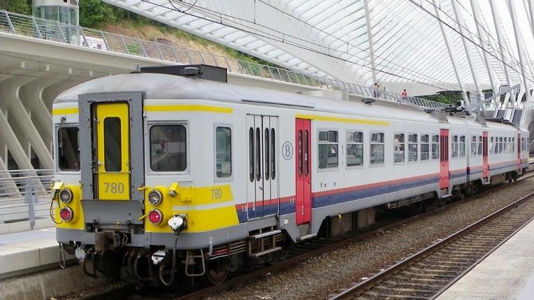 Tren Bruselas-Brujas (Bélgica)