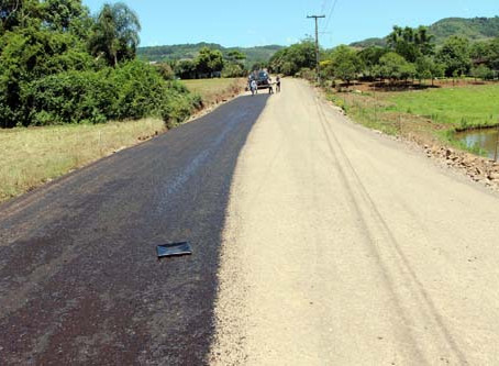 Obra de asfaltamento em Nova Santa Cruz ganha forma