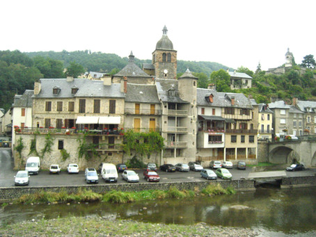 La maison 4, les origines, l'Aveyron