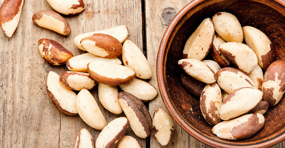 raw Brazil nuts add zinc to your diet to boost immunity