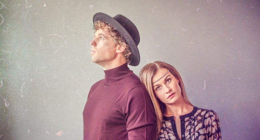 RoMi Cage brengt single 'Hope Rises Like Dust'