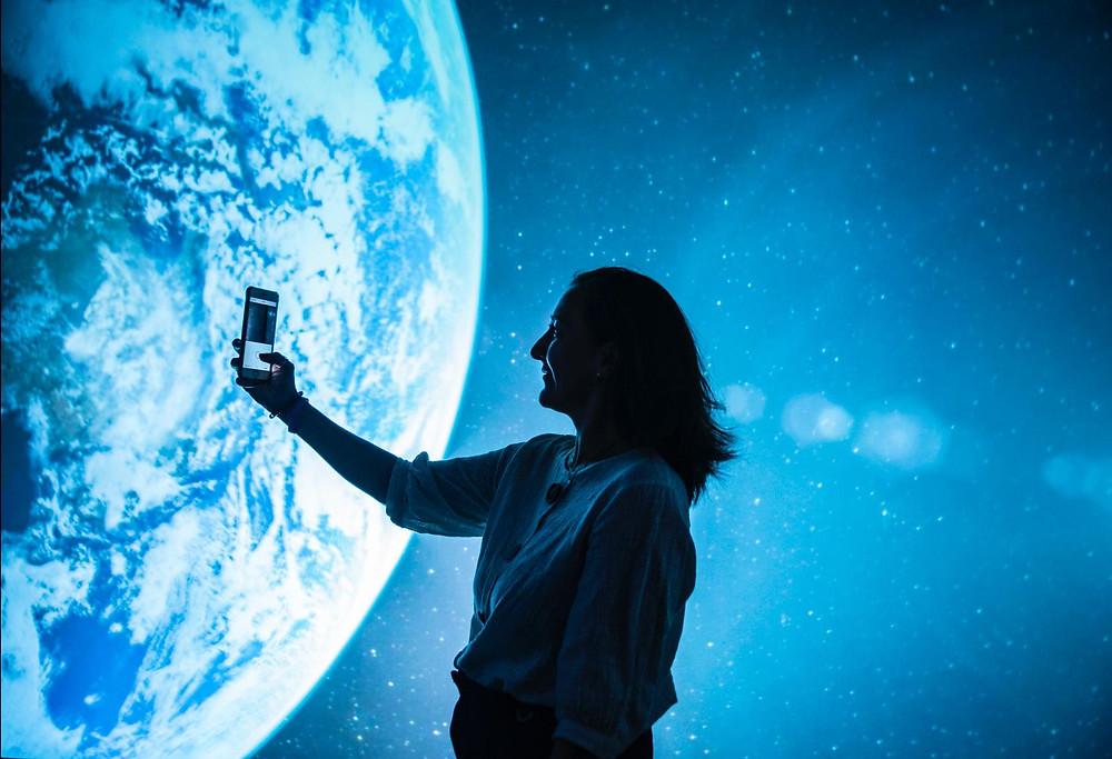 Público de la proyección inmersiva dentro del Experience Day de TEDxUNebrija