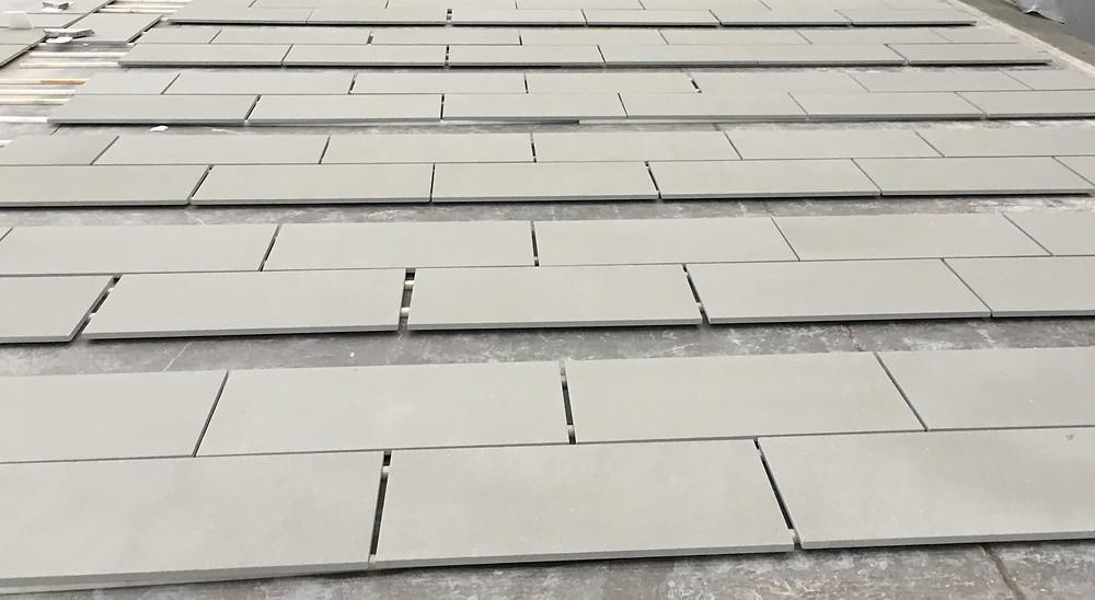 Dry lay blended sandstone paving