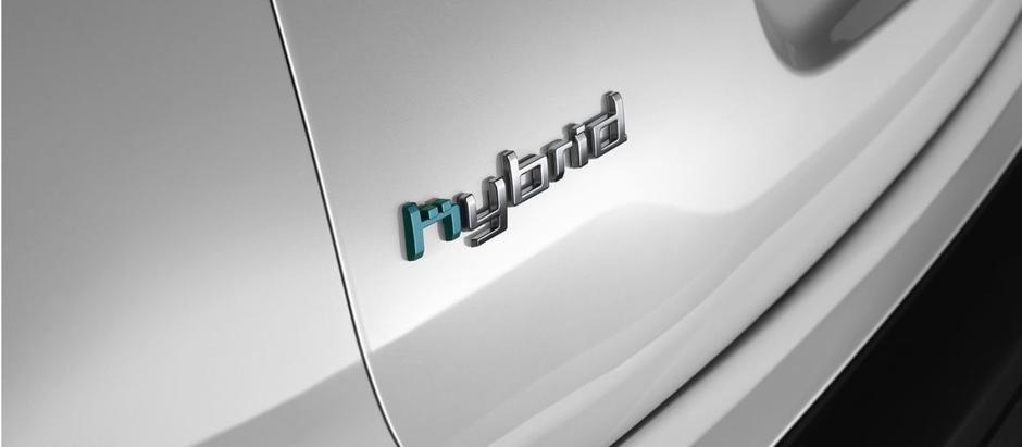 La première voiture rechargeable de la marque aux chevrons !