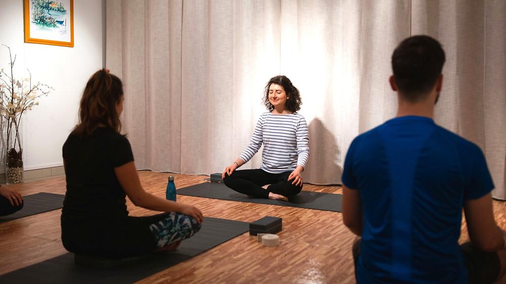 Cours de yoga méditation studio