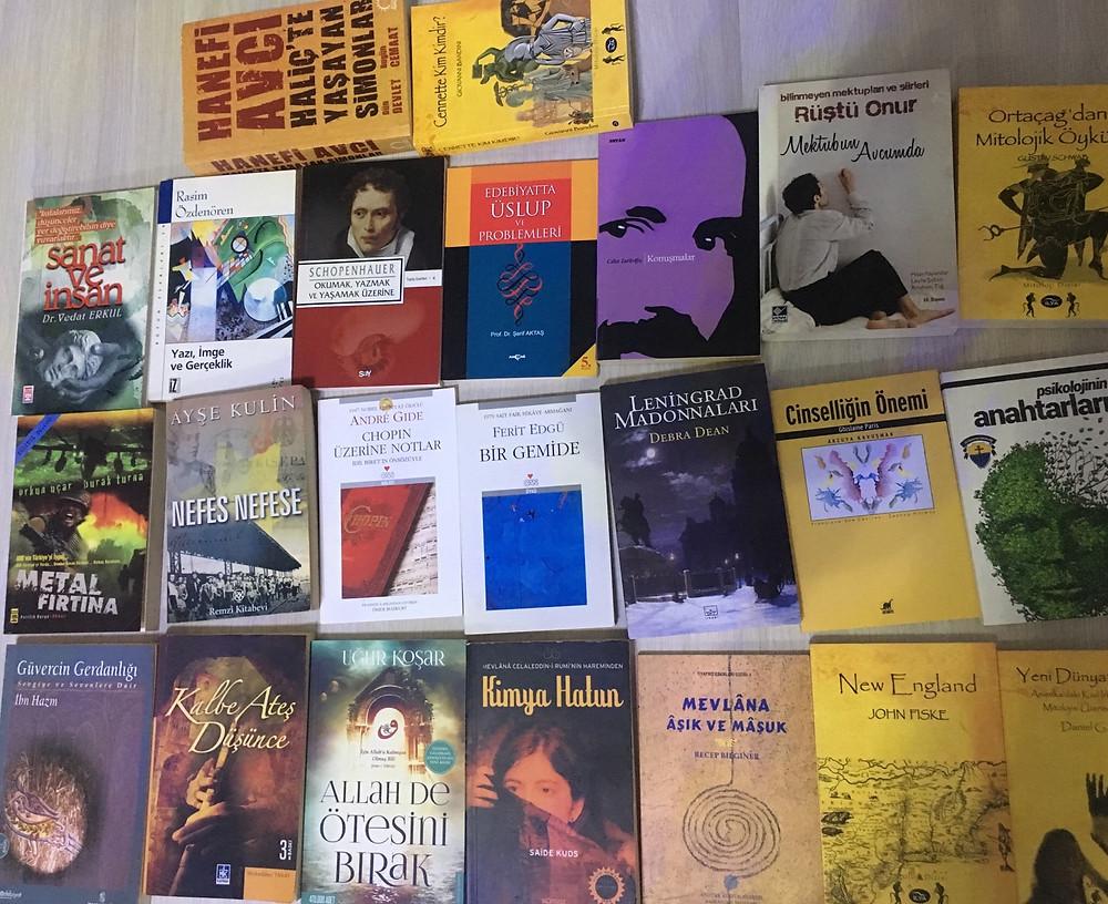 Seçeceğiniz en az 3 kitabı takas edebiliriz.takas edebileceğiniz kitapların toplu fotograflarını yoruma ekleyebilirseniz ben de oradan seçme imkanı bulurum. Mail atabilirsiniz: tugcegungil@hotmail.com