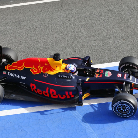 Red Bull RB12, la terza generazione di vetture ibride del team di Milton Keynes