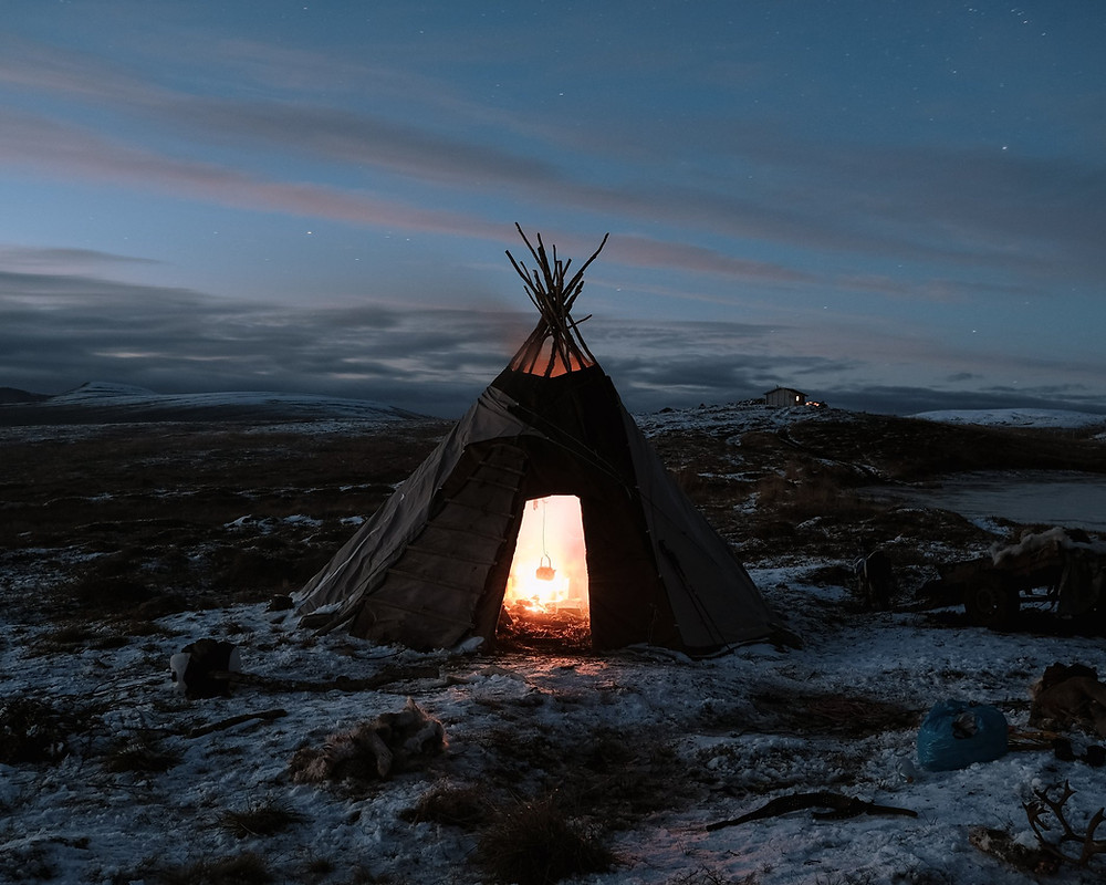 An exclusive stay with the Sami people in Finnmark, Northern Norway. Join the Sami reindeer herders and learn more about the Sami & reindeer herding culture