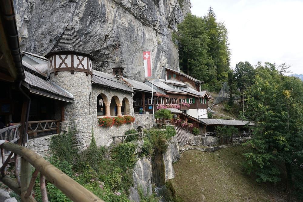 מערת סנט ביאטוס, שווייץ