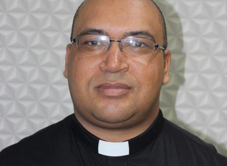 Vocação: Confira a entrevista com o Padre André Soeira, responsável pelas vocações na Diocese
