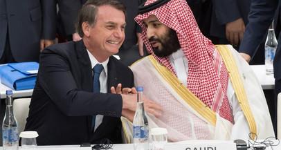 Bolsonaro conhece a sua alma gêmea, o príncipe saudita (por Érico Bomfim)